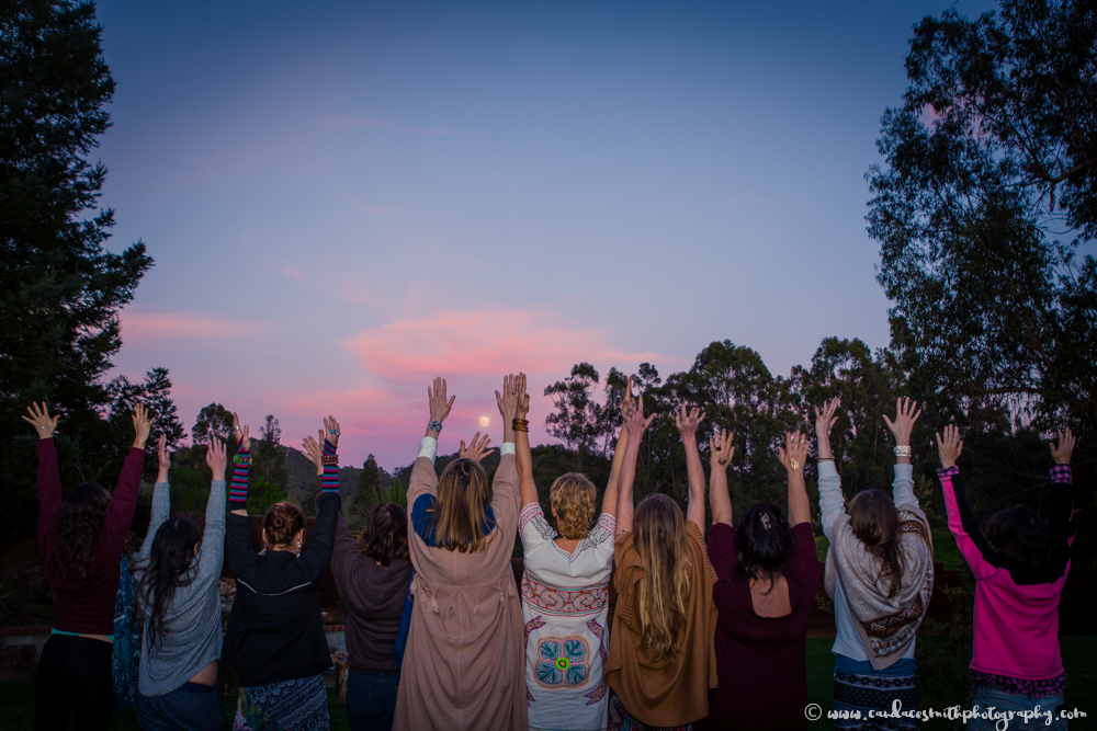 LWS Sisters Back Arms Up Full Moon